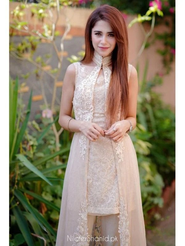 Famous Celebrities features in Nilofer Shahid's Meeras Eid Collection