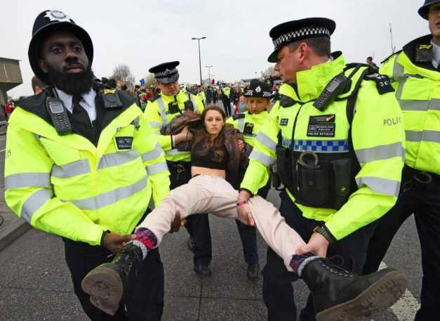 XR-protest-at-Waterloo-Bridge