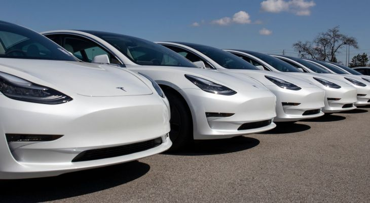 Tesla unveils $199-a-month Full Self-Driving subscription plan — but there's a catch