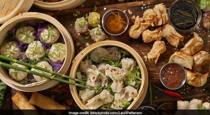 Social Media Influencer Impressing 'Loki' With A Plate Of Momos Is Too Amusing