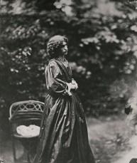 Dante Gabriel Rossetti, John Robert Parsons (fotografo), Jane Morris, 7 giugno 1865. Londra, National Portrait Gallery.