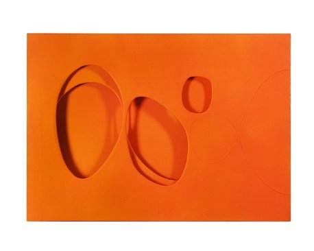 Paolo Scheggi, Per una situazione, 1963, acrilico arancione su tre tele sovrapposte. Milano, Collezione Franca e Cosima Scheggi. Foto Francesca Sancassani.© Paolo Scheggi/SIAE