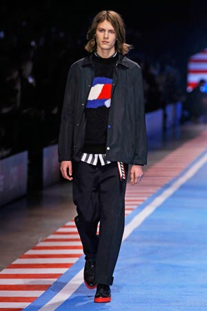 "Tommy Hilfiger brings spring 2018 tommynow ""drive"" Daily Mood"