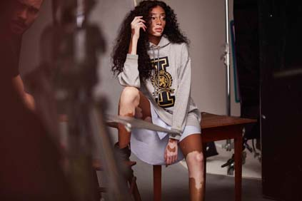 Winnie Harlow Tommy Icons Sweater BTS Fall 18 Low Res