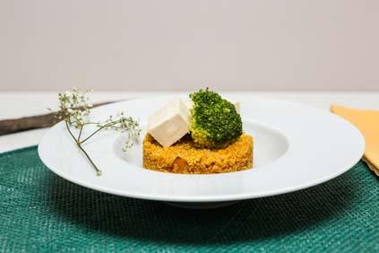 quinoa_alla_curcuma_e_paprika_con_tofu_e_verdure_2