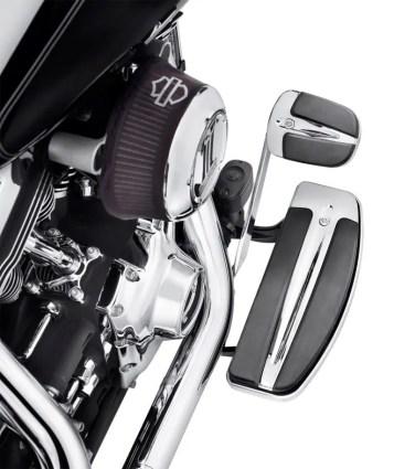 Estriberas Slipstream 153 € © Harley-Davidson.