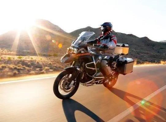 bmw-r-1200-gs-adventure