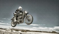icon-1000-british-customs-scrambler-shows-you-how-it-s-done-video-photo-gallery_6