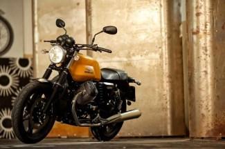 Moto Guzzi V7 II Stone ABS 2015 (4)