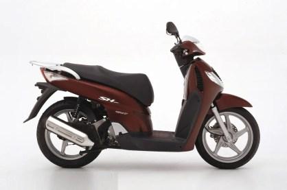 Honda Scoopy generacion 4 (4)
