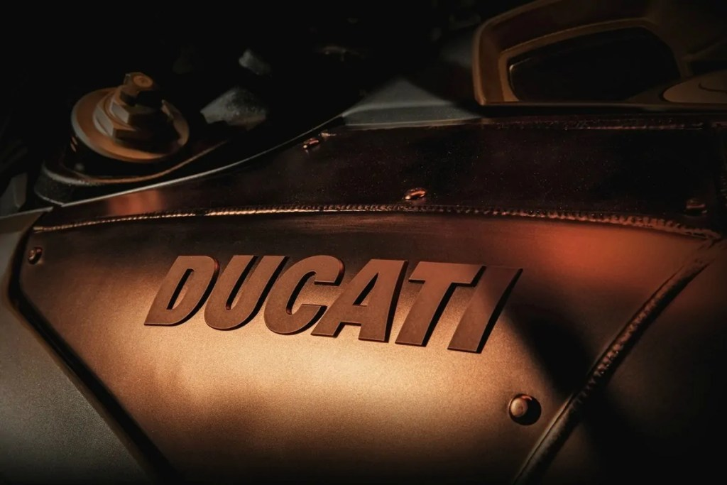 Deposito Ducati Diavel Diesel 2017