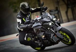Yamaha MT-10 2017 rodando