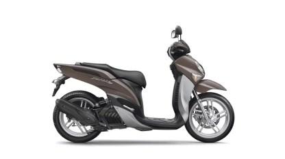 2017-Yamaha-Xenter-125-EU-Mocaccino-Brown-Studio-002