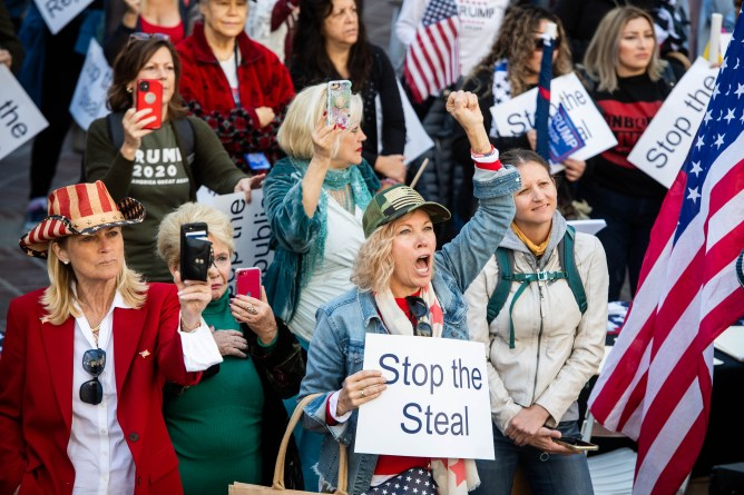 Protesters clash in downtown L.A., while Trump rallies unfold elsewhere in Southern California – Daily News