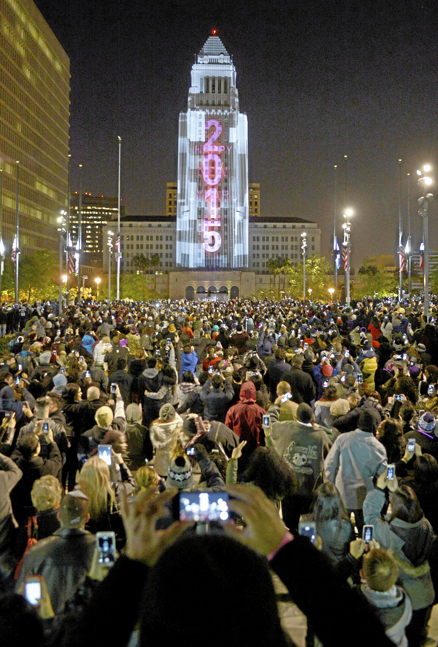 Los Angeles to host Grand Park New Year s Eve celebration     Daily News In this file photo  mages are projected onto the sides of Los Angeles City  Hall during the N Y E L A  event at Grand Park on New Year s Eve in Los  Angeles