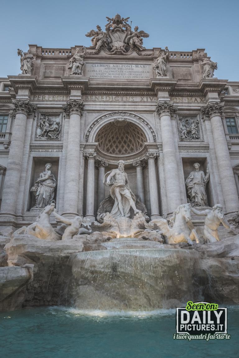 La Fontana di Trevi è la più grande e una fra le più note fontane di Roma e tra le più celebri fontane del mondo.
