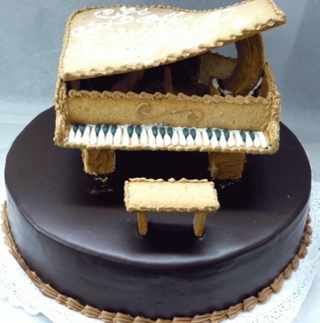 Kue Ulang Tahun bentuk Piano