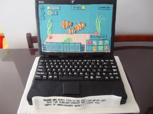 Kue Ultah Bentuk Laptop
