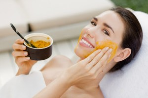 Effective Uses Of Turmeric For Skin Care