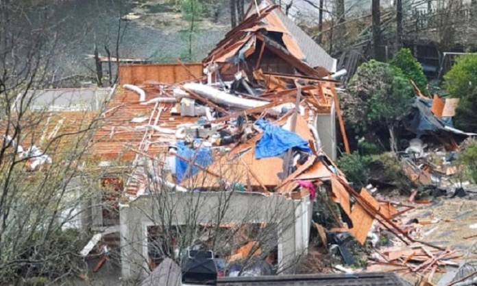 Alabama tornadoes kill five as homes are destroyed