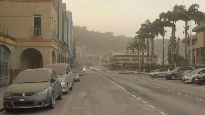 Ash rains down after St Vincent volcano erupts