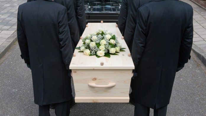 French woman arrested over jewellery thefts from coffins