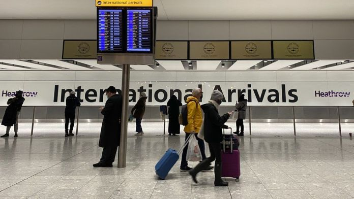 New rules for fully jabbed US and EU arrivals begin