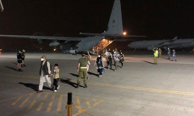 Taliban violently block Australian citizens from evacuation flights