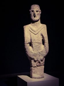 So-called Urfa Man is considered the oldest known life-sized sculpture of a man (Photo: J. Notroff, DAI).