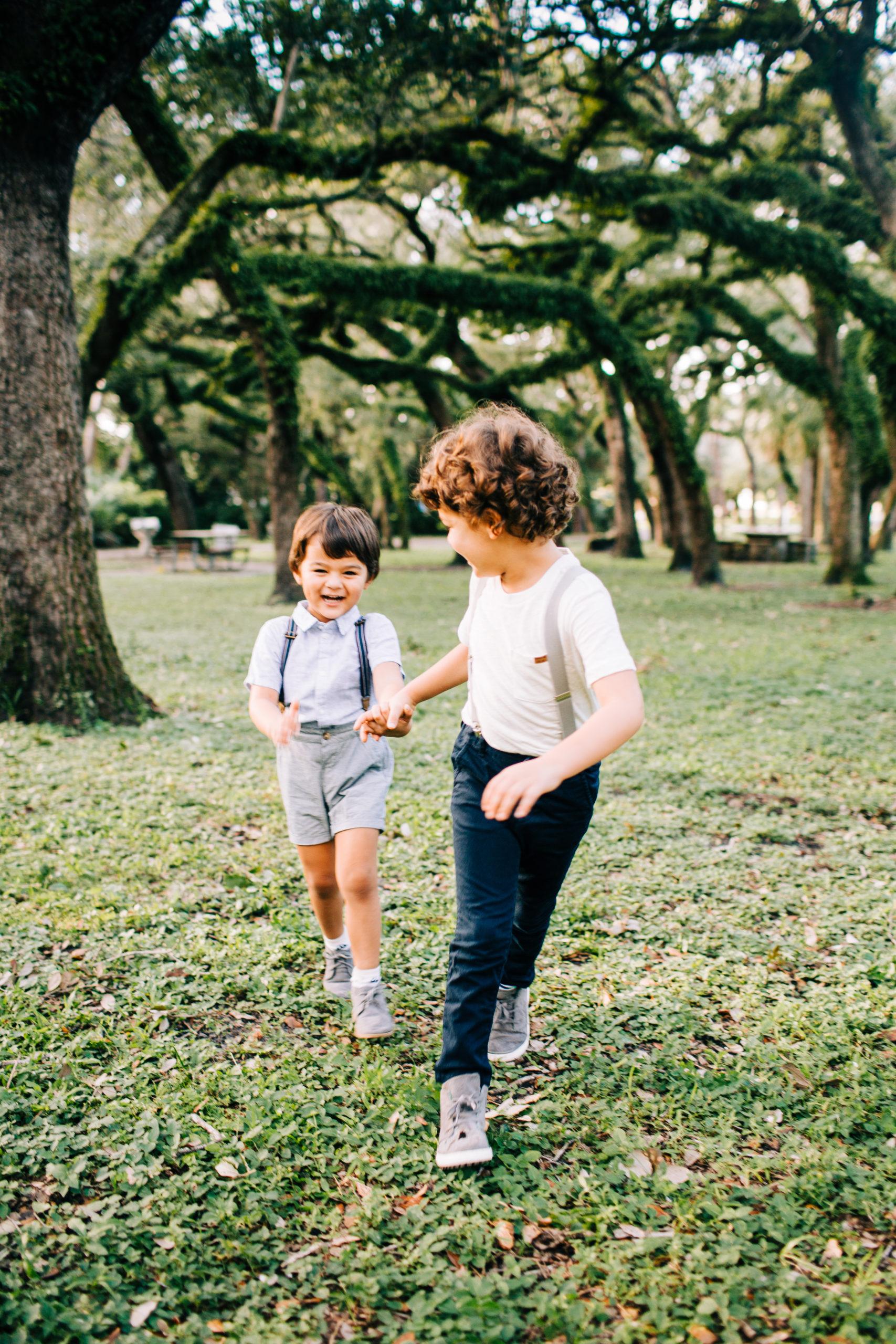 MiamiFamilyPhotoSession-7-scaled Family Photo Session at the Park - Villa Family
