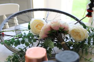 Repurposed bike wreath DIY
