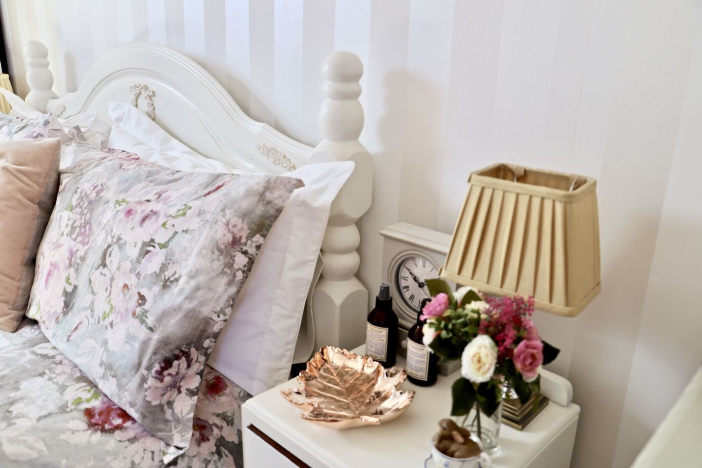 Bedroom cottage farmhouse decor