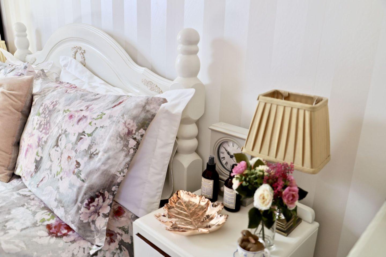 Bedroom cottage farmhouse decor