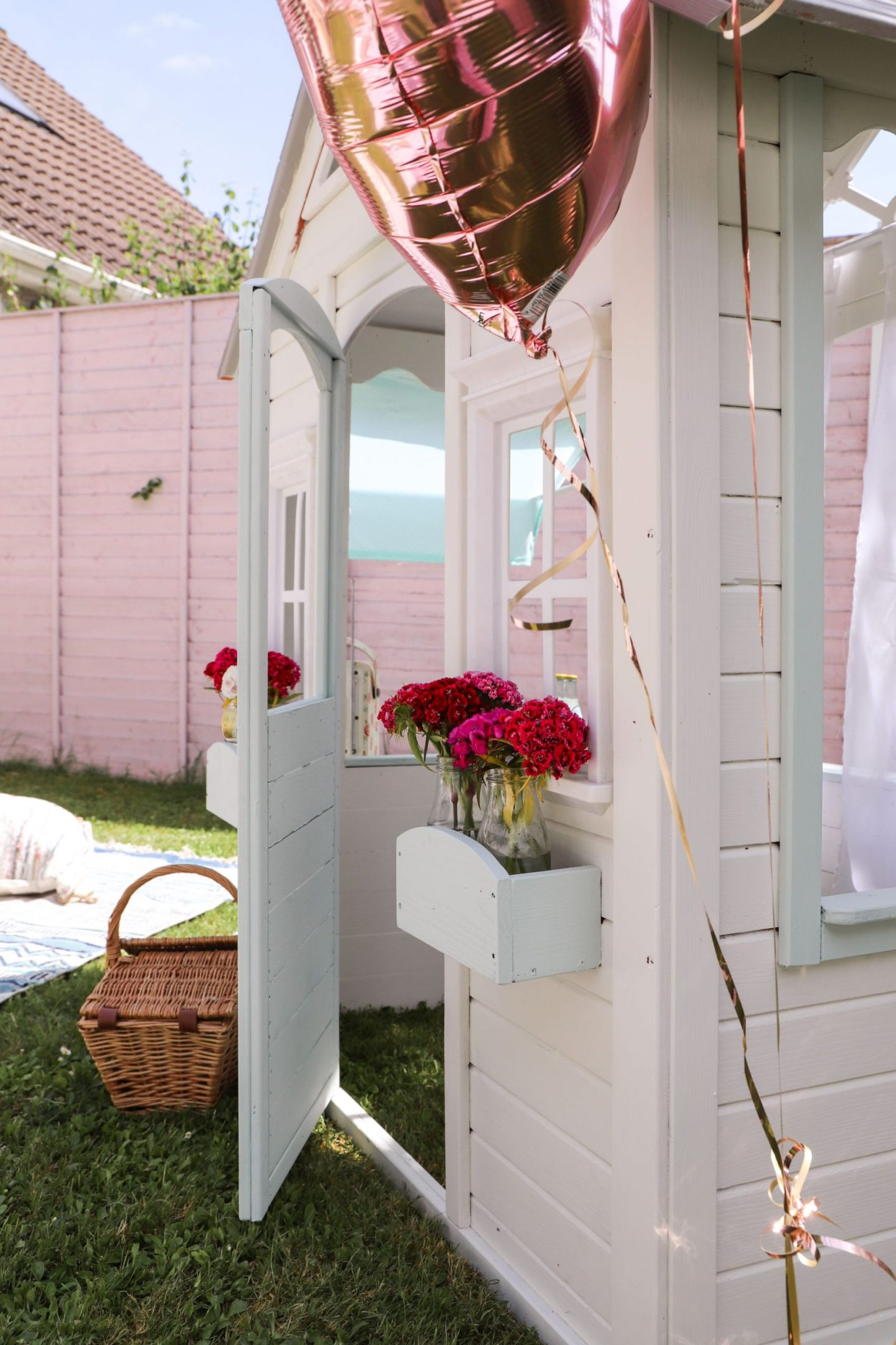 DIY cubby playhouse