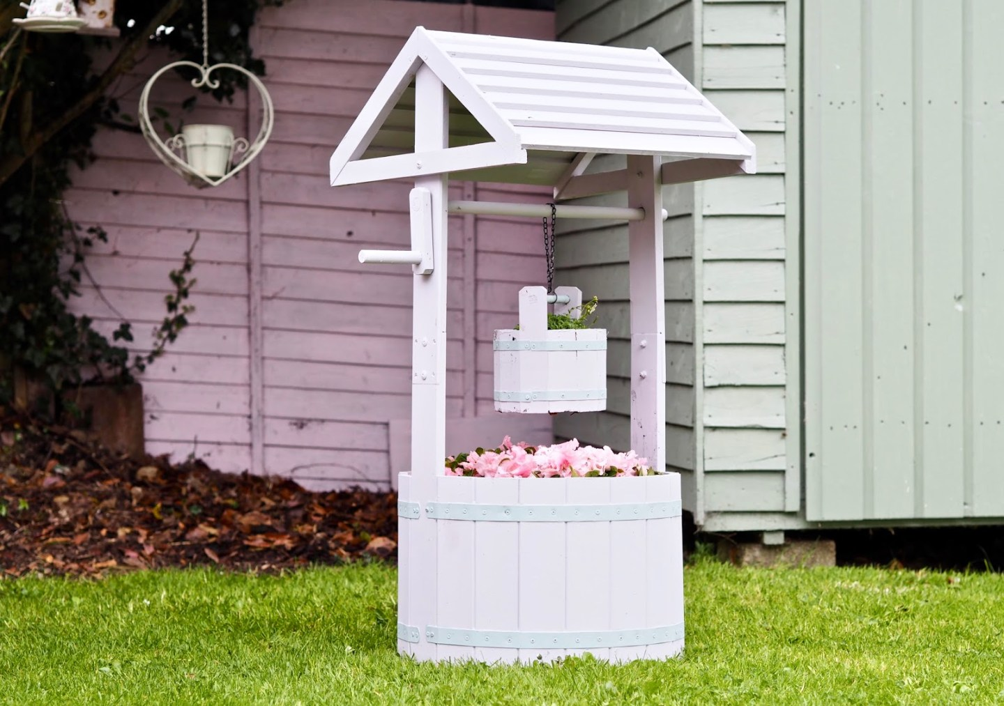 10 garden DIYs to instantly brighten your space