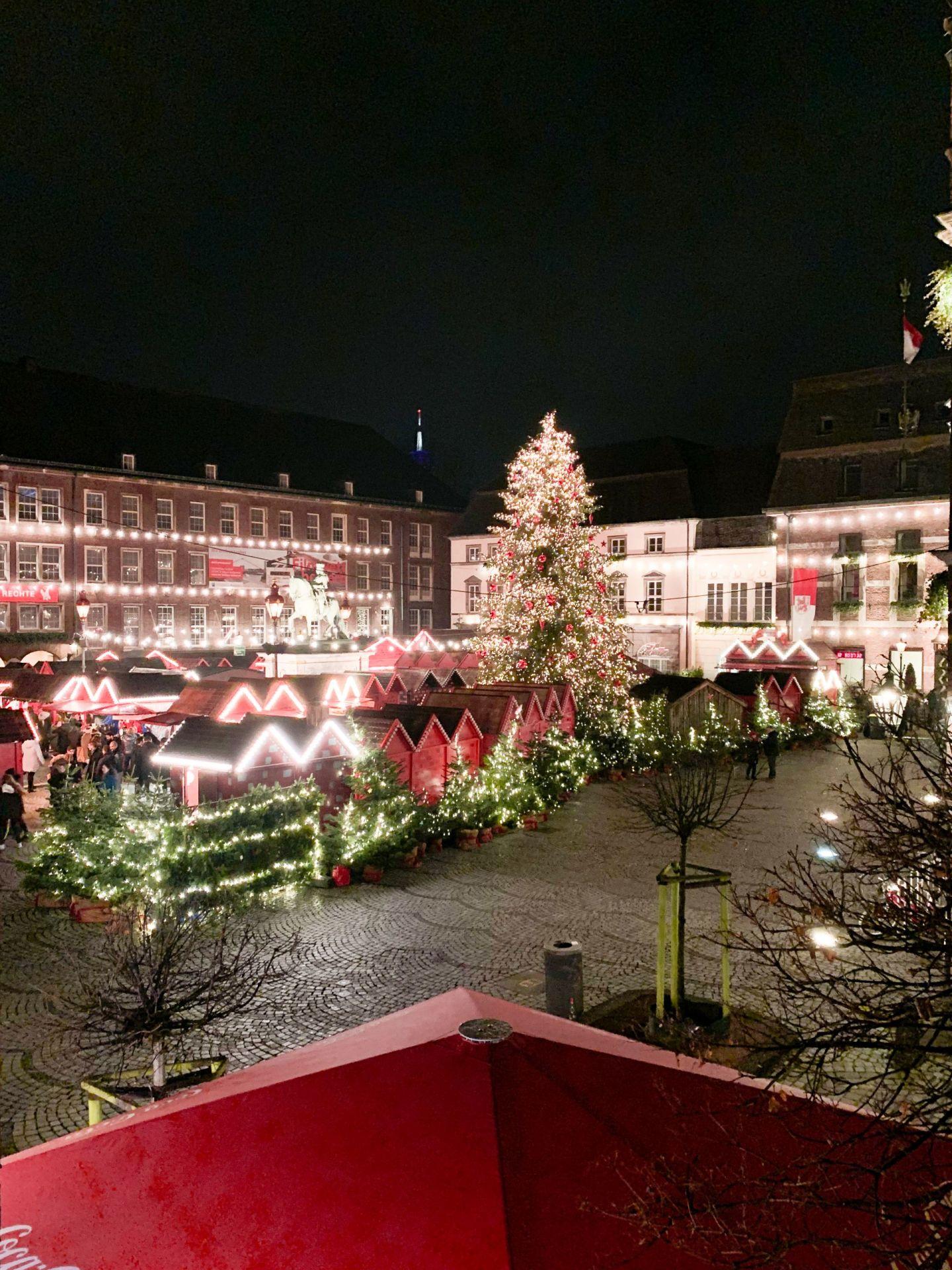 Dusseldorf Christmas market hotel