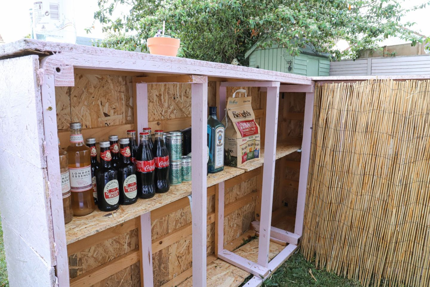 How To Turn A Divan Bed Into A Garden Bar