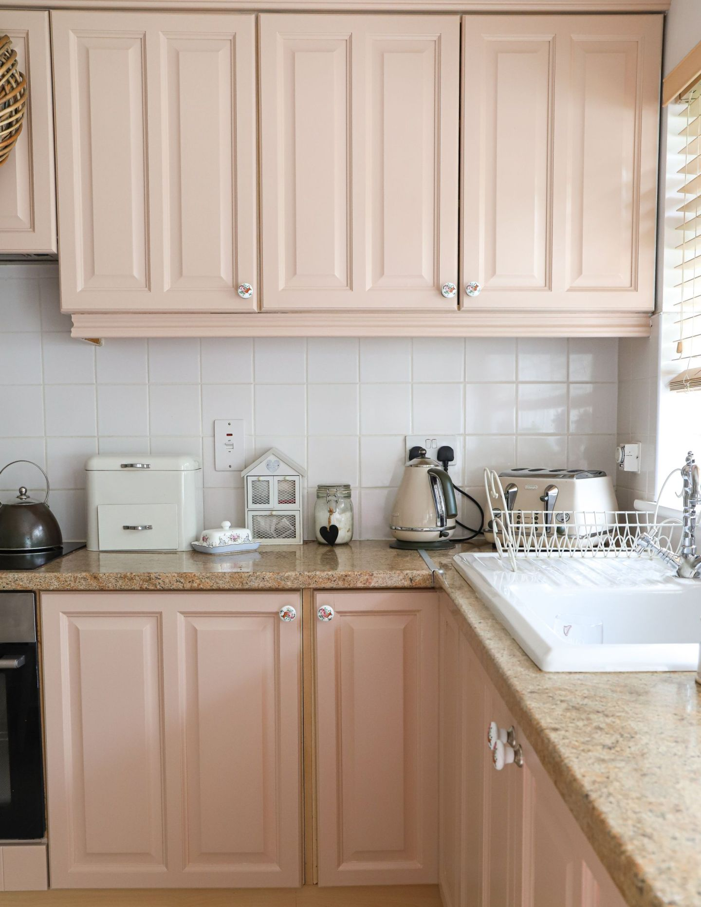 Pink cabinet Setting Plaster