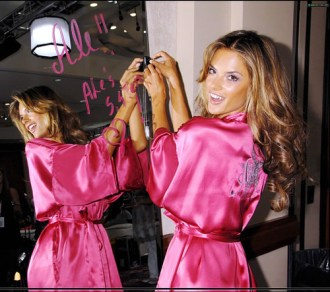 759009603 9076a1e664 - TRUCOS DE BACKSTAGE DE VICTORIA'S SECRET (2)