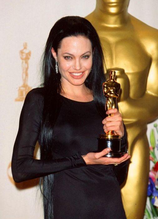 angelina jolie oscar 1 - Todas Las Cirugías de Angelina Jolie