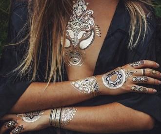 metallic henna tattoos 640x534 - Tatuajes Dorados, La Última Moda