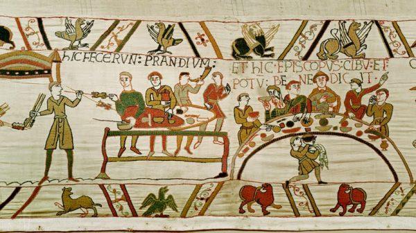 vk bayeux tapestry feast e1509891638269 - Todo Sobre la Dieta Vikinga