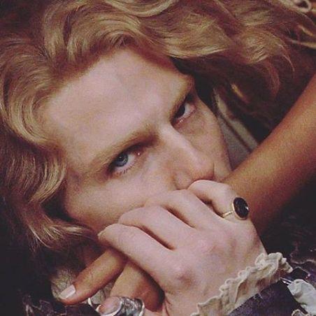 "0ec3ad53ffa52ecd5a154a1514cce8d9 - El Maquillaje de ""Entrevista con el Vampiro"""