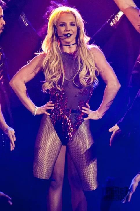 britney spears arms lipo - La Liposucción de Britney Spears, ¿Un Error?