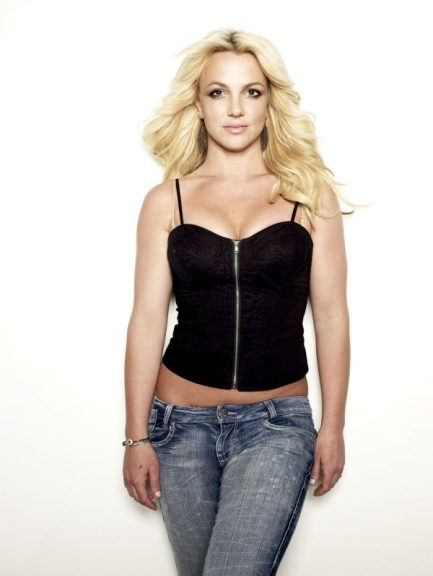 britney spears in cosmopolitan 2010 1 e1521827922999 - La Liposucción de Britney Spears, ¿Un Error?