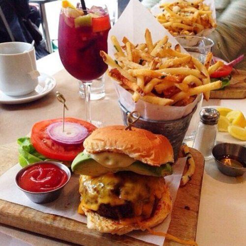 hamburguesas e1523483251329 - Caprichos Durante Todo el Fin de Semana