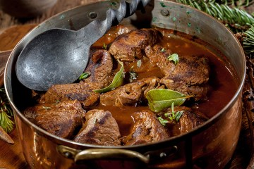 venison cooked in pot