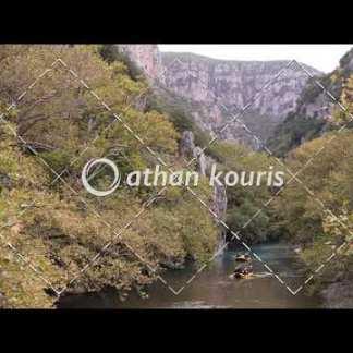 αγορά πλάνα βίντεο on line rafting στον Βοϊδομάτη διάρκειας 38 sec V-1041