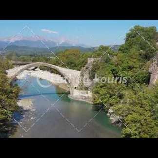 αγορά πλάνα βίντεο on line - Πέτρινο γεφύρι Κόνιτσας διάρκειας 15 sec V-1023