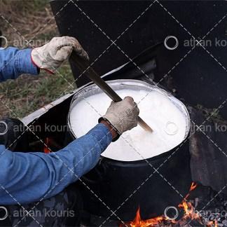 photo θέρμανση γάλακτος P-10036 αγορά φωτογραφία θέρμανση γάλακτος με παραδοσιακό τρόπο on line
